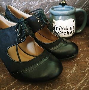 Really cute vintage style shoes